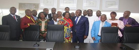 Le president de la ceni et les nouveaux commissaires recus par le premier ministre ibrahima kassory fofana1 03 04 19